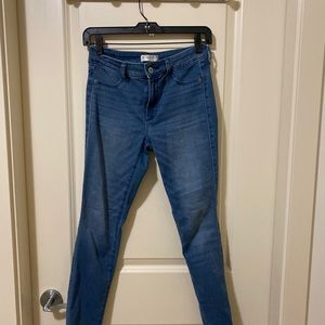 Abercrombie & Fitch Jeans - Abercrombie and Fitch jegging size 27